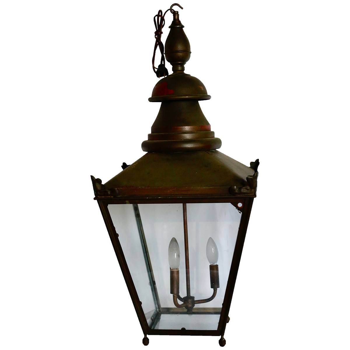 a statue of a lamp